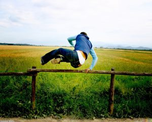jump_over_the_fence_1280x1024